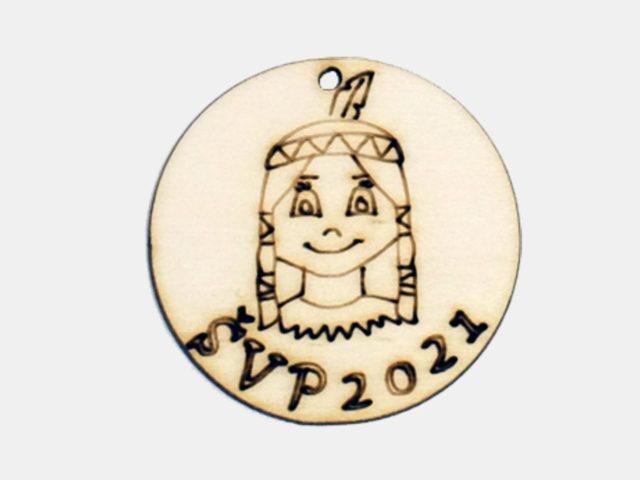 medaile ze dřeva