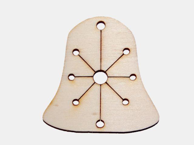 dřevěná ozdoba ve tvaru zvonku